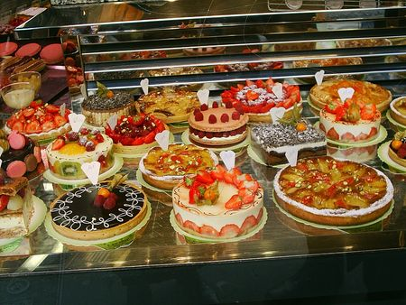 shop window: Pastry shop window in Paris Stock Photo