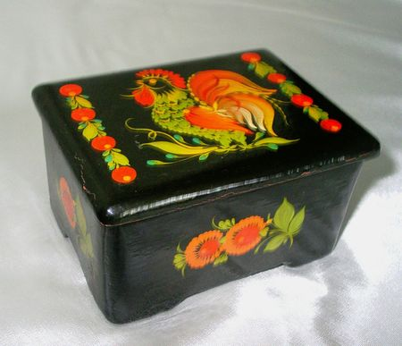 laquered: Riquadro nero laccato con un gallo
