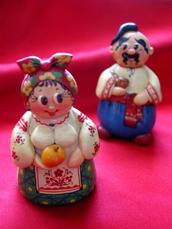 Porcelain figurines in Ukrainian costumes 스톡 콘텐츠