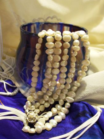 votive candle: Blue painted votive candle holder with pearls