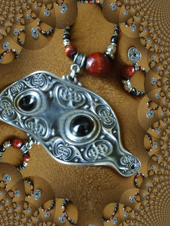 Beaded necklace with a celtic pendant - fractal