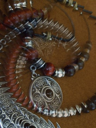 Beaded necklace with a celtic pendant - illusion