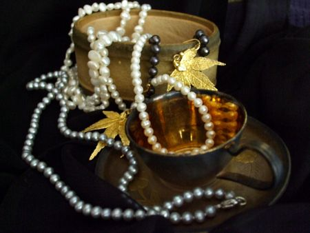 Decorative objects and jewelry Imagens