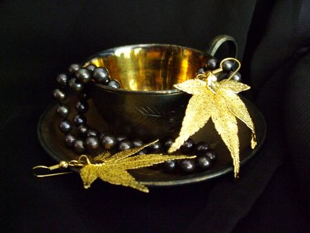 Gilded coffee cup, pearls and gold maple leaf earrings