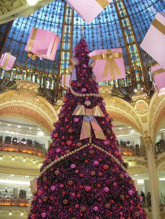 Elaborate Christmas tree with pink ornaments