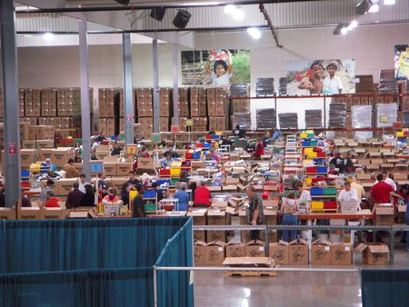 Charlotte, NC December 11, 2009 - hundreds of volunteers helping out with Operation Christmas Child at the Charlotte warehouse Stock Photo - 6887791