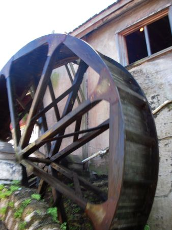 Old-fashioned water wheel