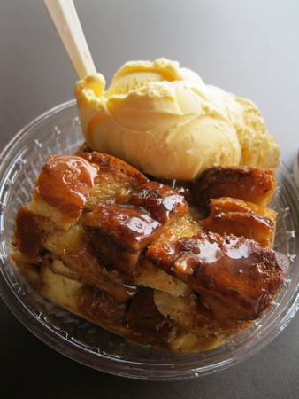 pudding: Bread pudding