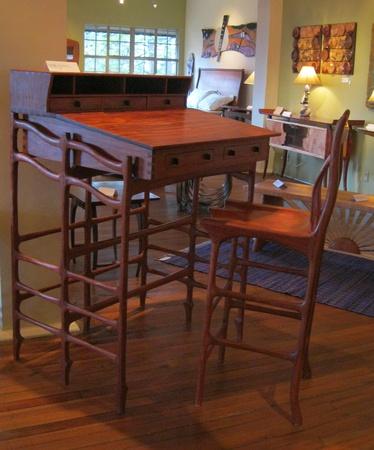 22 februari 2012 - Met de hand gemaakt meubilair in de Grovewood Gallery, Asheville, NC