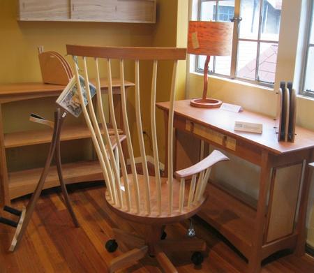 22 februari 2012 - Met de hand gemaakte meubels op de Grovewood Gallery, Asheville, NC