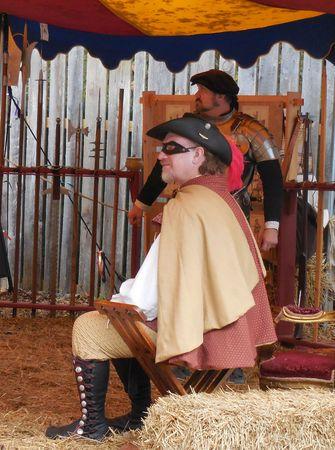 mosquetero: El 31 de de octubre de, el a�o 2015 - Huntersville, Carolina del Norte - mosqueteros en el festival del renacimiento