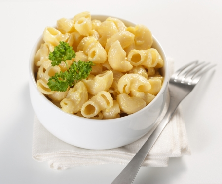Macaroni and cheese in the bowl Stock Photo - 9360390