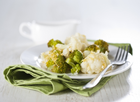 broccoli salad: Broccoli and cauliflower gratin with cheese