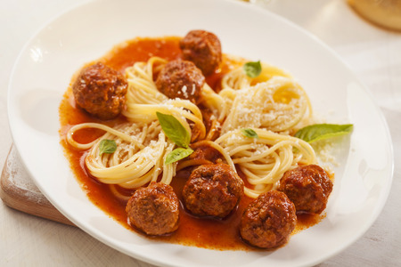 marinara: Pasta with meatballs and basil with tomato sauce