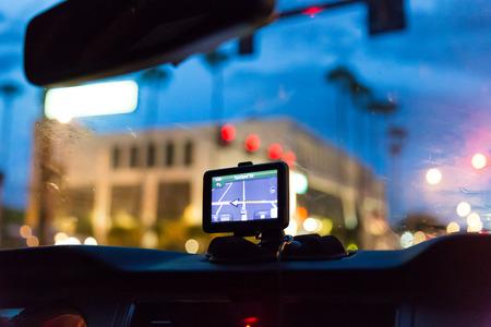 GPS device in a car, satellite navigation system Stockfoto