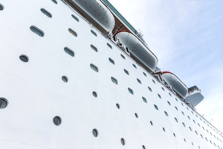 side view: Cruise ship, side view