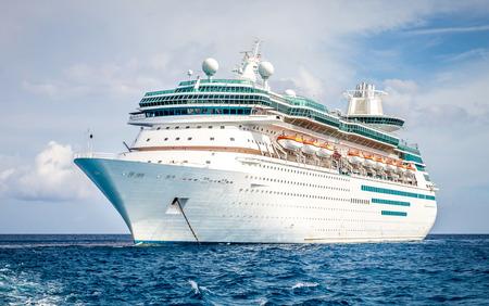 Cruise ship Stock Photo - 43025199