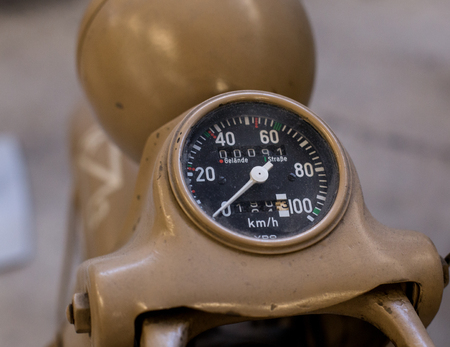 Color detail with the speedometer of a motorcycle. Foto de archivo - 125079137