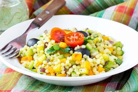 Sommergerichte Zucchini : Israelischen couscous ptitim mit gemüse zucchini paprika tomaten