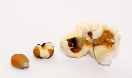 The process of making corn grain in popcorn