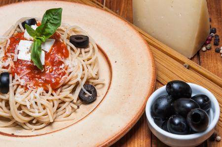 puttanesca: Plate of spaghetti puttanesca