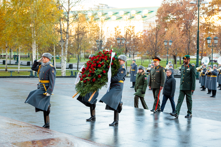 MOSCOW, RUSSIA - NOVEMBER 08, 2017: The commander of the Ground Forces of the United Arab Emirates, Major General Saleh Al-Amy and the Commander-in-Chief of the Land Forces of the Russian Federation, Colonel-General Oleg Salyukov laid a wreath at the Tomb Editorial