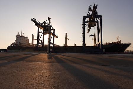 ship in port Фото со стока