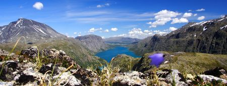 bessegen: Mountain lake panorama from the famous Bessegen hike in Norway
