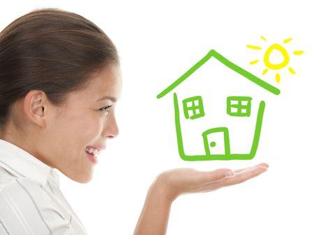 so�ando: Comprador de casa feliz  concepto de propietario o mujer so�ando de una casa. Composit ilustraci�n y fotograf�a. Mixta China cauc�sicos mujer perfil aislado sobre fondo blanco.