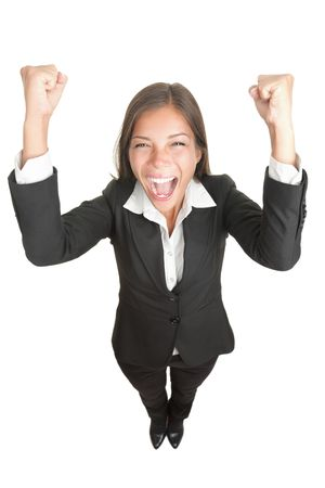 Succes  winnaar zaken vrouw geïsoleerd. Leuke afbeelding van organiseren gelukkig jonge zaken vrouw in volledige lengte met haar wapens tot. Hoge hoek de weergave met bijna vis oog effect. geïsoleerd op een witte achtergrond.