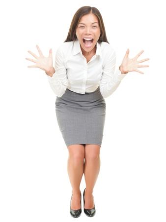 gente loca: Crazy empresaria entusiasmada gritando. Retrato de longitud completa de raza mixta Asia  cauc�sica modelo femenino aislado sobre fondo blanco.