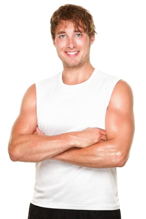 sudoroso: Gimnasio atleta retrato-Young muscular deportivo forma cauc�sico hombre aislado sobre fondo blanco.