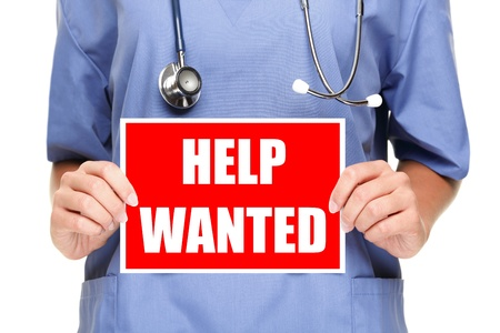 pielęgniarki: Lekarz lub pielÄ™gniarka przedstawiajÄ…cy pomoc chciaÅ' znak. Samodzielnie na biaÅ'ym tle