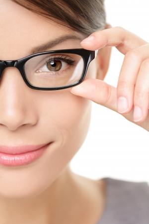mulher: Eyewear óculos close up da mulher Imagens