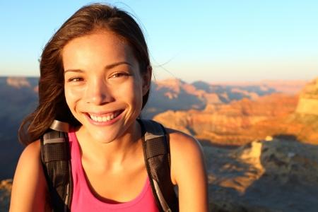 south rim: female hiker in Grand Canyon, South Rim, Arizona, USA