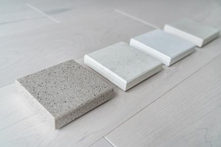 조리대 선택을 위한 주방 리모델링 주택 개조 인테리어 디자인 상담 - 매장의 석영 샘플.