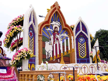 rose bowl parade: PASADENA, CA - JANUARY 1: The Lutheran hour ministries float was shown at the 122nd Tournament of Roses Parade on January 1, 2011 in Pasadena, California. Editorial