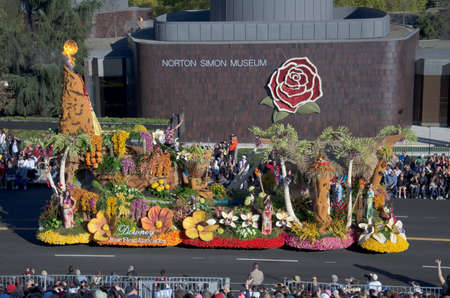 Pasadena, California, USA - January 2, 2012: Downey Rose Float Association Float called Enchanted Paradise participated in the 123rd Tournament of Roses Parade. Redactioneel