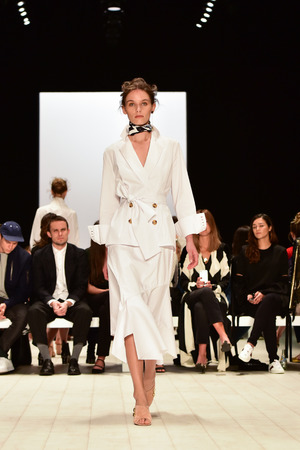 ruche: SYDNEY  AUSTRALIA - 18 May: Model walks on runway during CMeo Collective female fashion collection during Mercedes Benz Fashion Week Australia on 18 May 2016 in Carriageworks Sydney