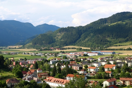 Town of Friesach, Carinthia, view from Petersberg to north-east Banque d'images - 97331532