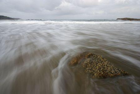 Rock dans la mer.