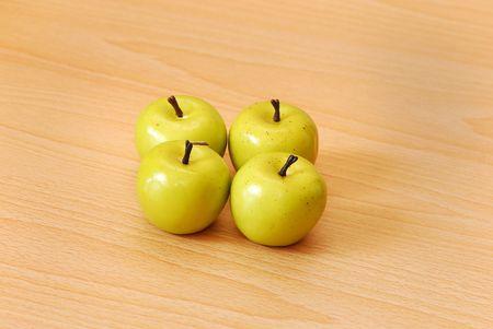 Quatre pommes vertes Banque d'images