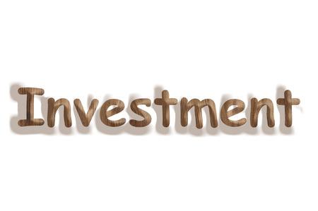 Concept d'affaires mot bois investissement sur fond blanc