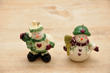 figurines: Snowman figurines to decorate a Christmas tree