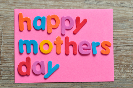 Happy mothers day on a pink note