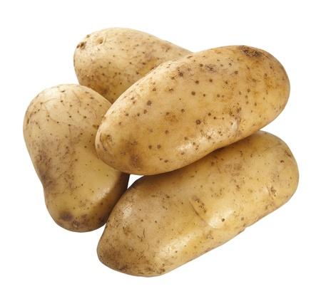 PURE: Cerca de patatas frescas aisladas sobre fondo blanco.