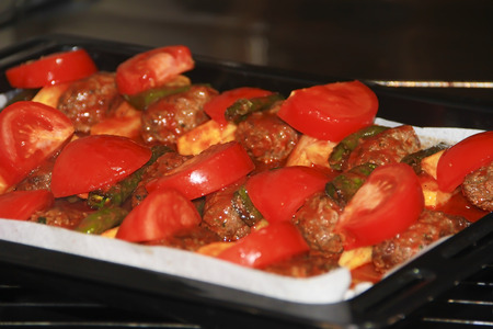 meat patties with stewed tomatoes