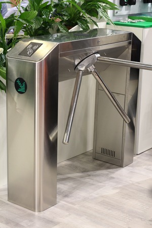 Turnstile for the passage of people. Entry exit, identity check. Security. Control check baggage and documents. Banque d'images - 120648037