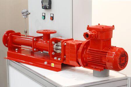 Horizontal single screw pump sets. Pumping oil drilling mud. Oil pump. Banco de Imagens