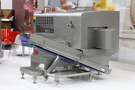 Machines for cutting products into cubes and straws. Cutting and processing of meat and other products. Designing machines for the food industry.